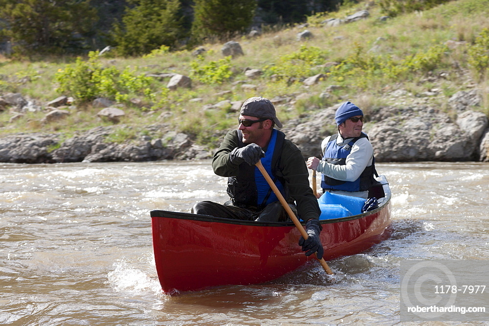 USA, Montana, Smith River, Two men kayaking