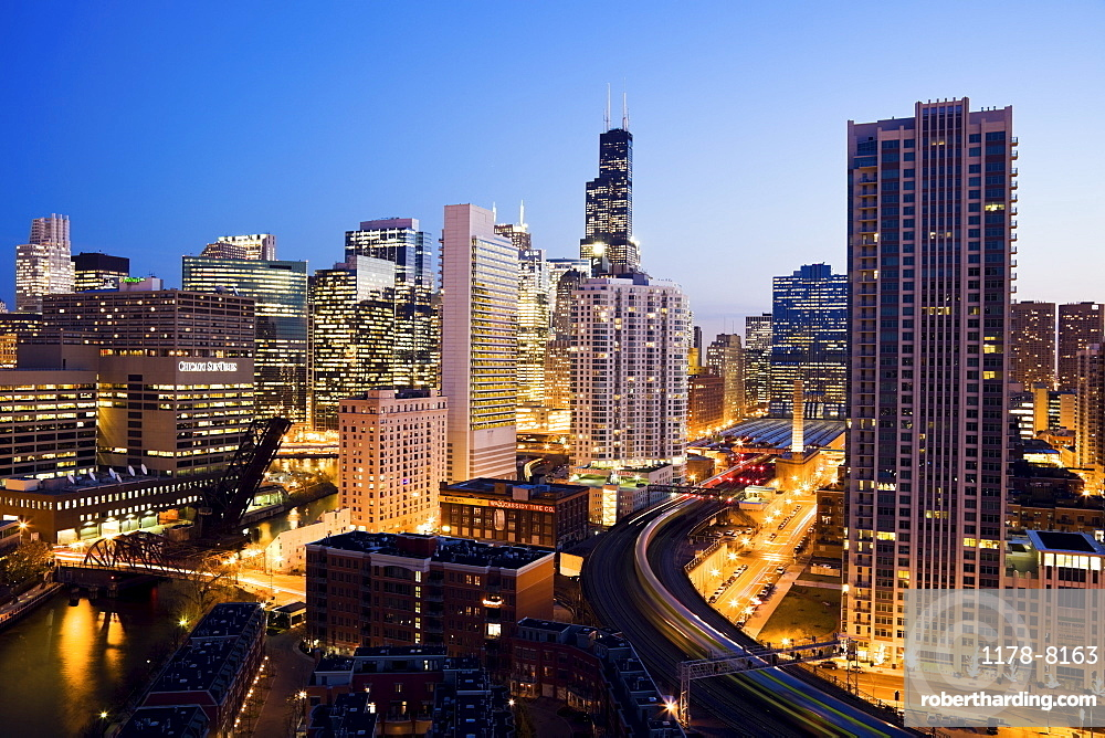 USA, Illinois, Chicago, cityscape at night