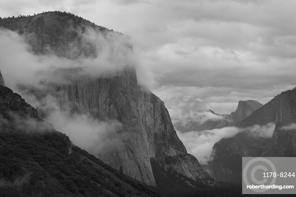 USA, California, Yosemite National Park, El Capitan