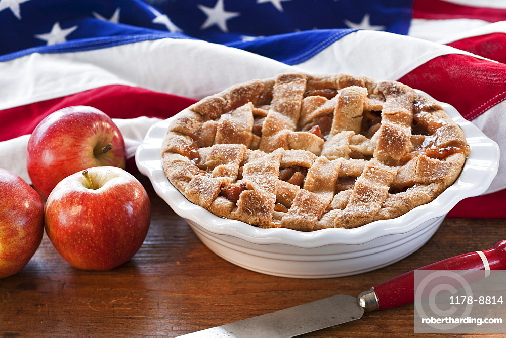 Apple pie and American flag