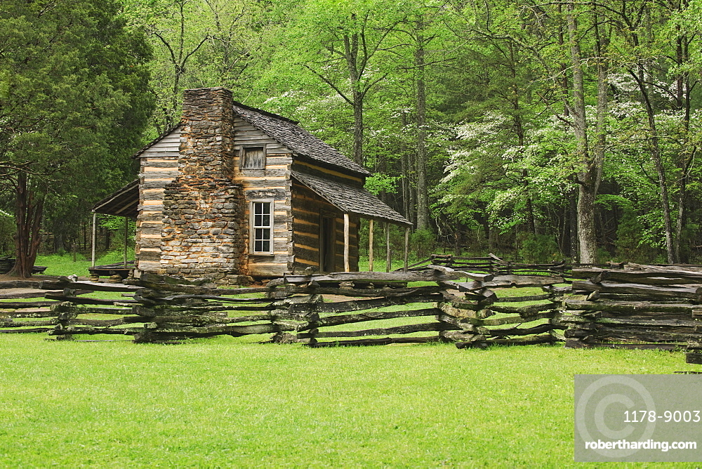 A fence and cabin in Smoky Mountain National Park