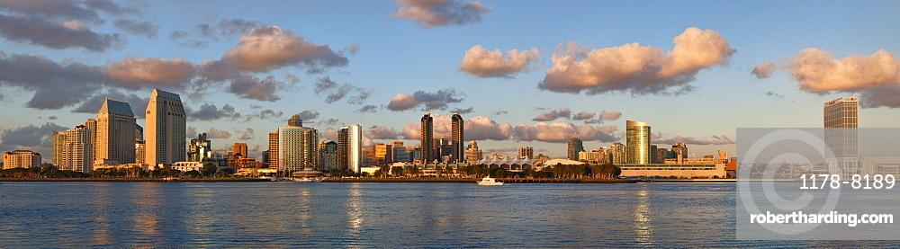 USA, California, San Diego skyline at sunset
