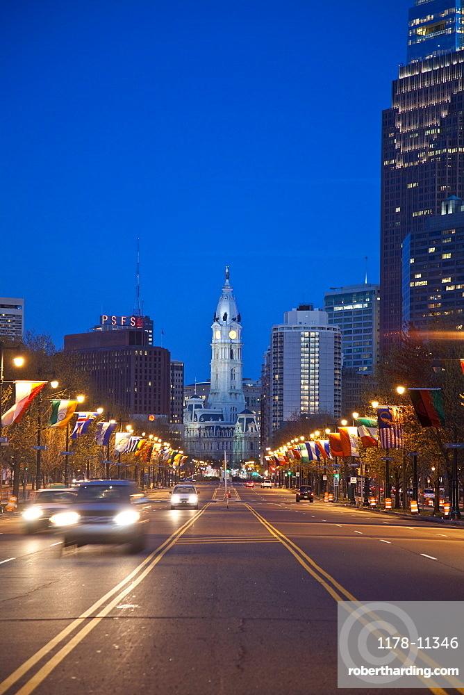 USA, Pennsylvania, Philadelphia, Traffic at night