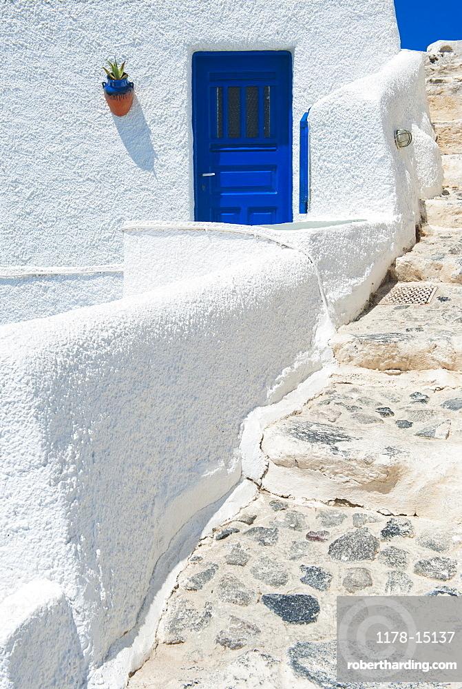 Greece, Cyclades Islands, Santorini, Oia, Steps outside house