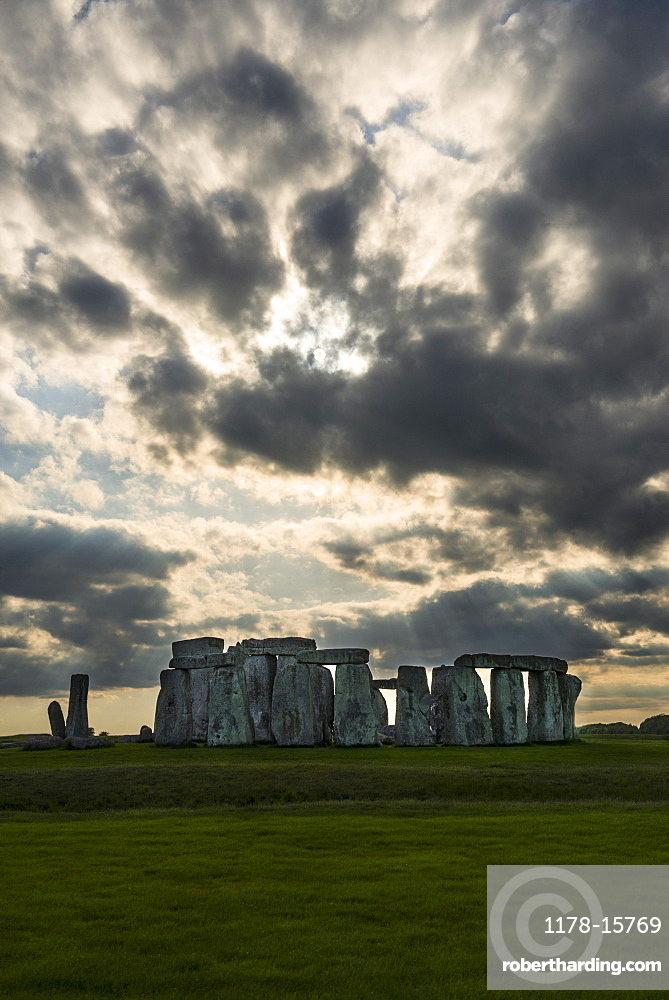 UK, England, Wiltshire, Stonehenge monument, UK, England, Wiltshire