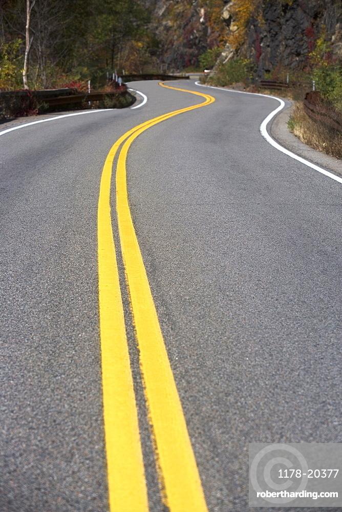 USA, New York, Bear Mountain, winding road