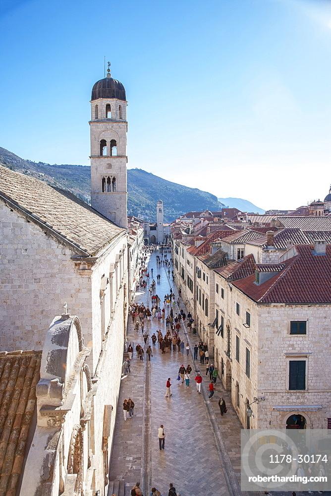 Croatia, Dubrovnik, Tourists in old town street