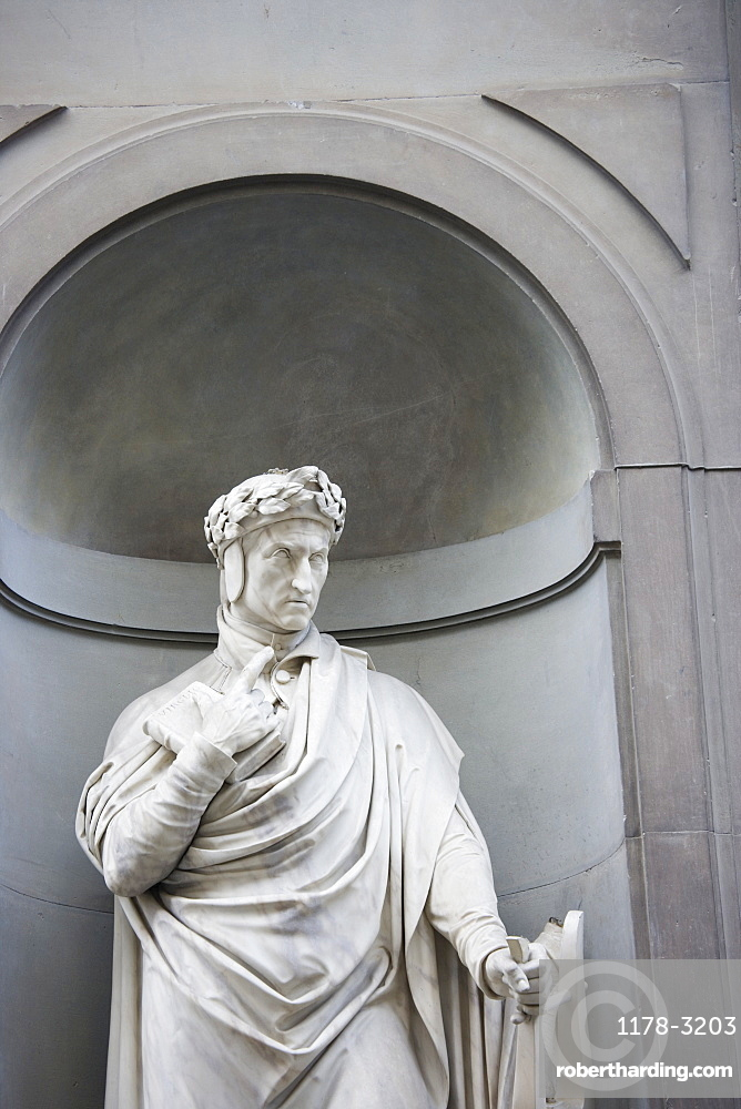 Statue of Dante Allighiere Florence Italy