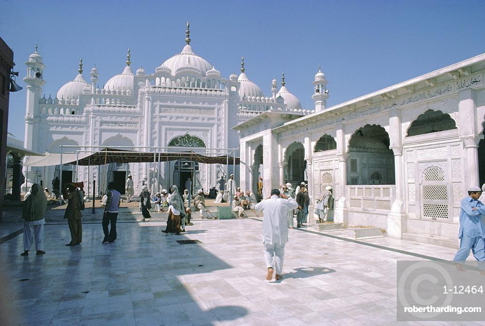 Data Durbar Shrine, Lahore, Pakistan