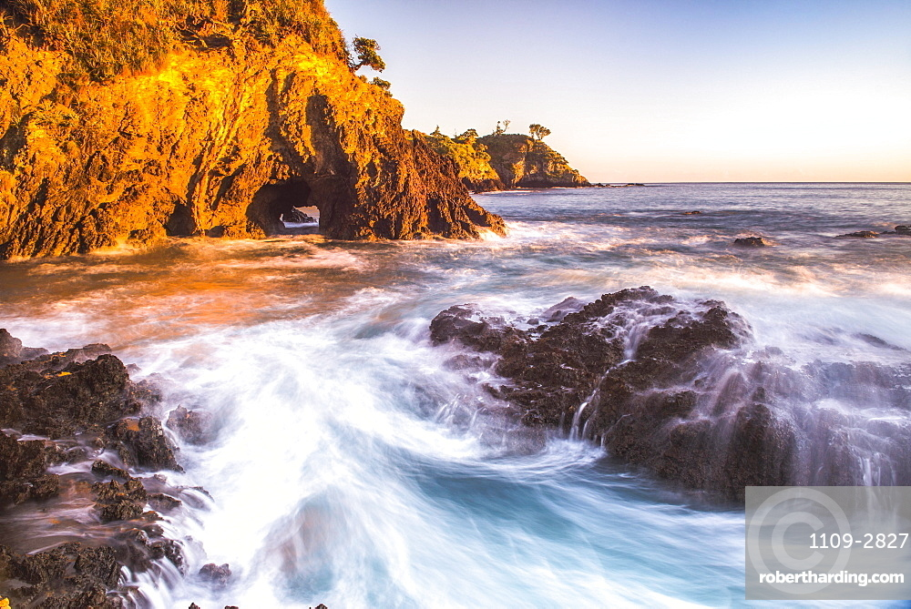 Rocky Bay at sunrise, Tapeka Point, Russell, Bay of Islands, Northland Region, North Island, New Zealand, Pacific