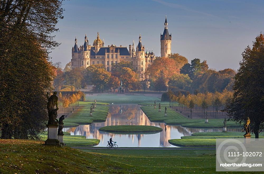 Castle gardens and Schwerin castle, Schwerin, Baltic Sea, Mecklenburg Vorpommern, Germany