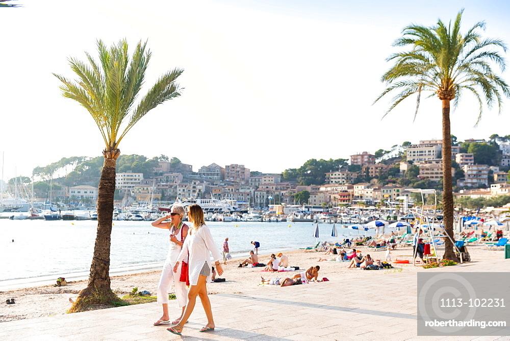beach seafront with palm trees, Mediterranean Sea, Port de Soller, Serra de Tramuntana, Majorca, Balearic Islands, Spain, Europe