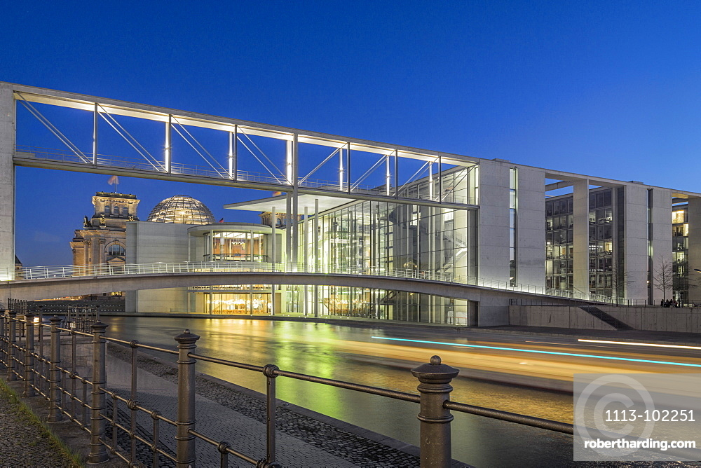 Government district in the evening, Paul Loebe building, Spree, Berlin, Germany