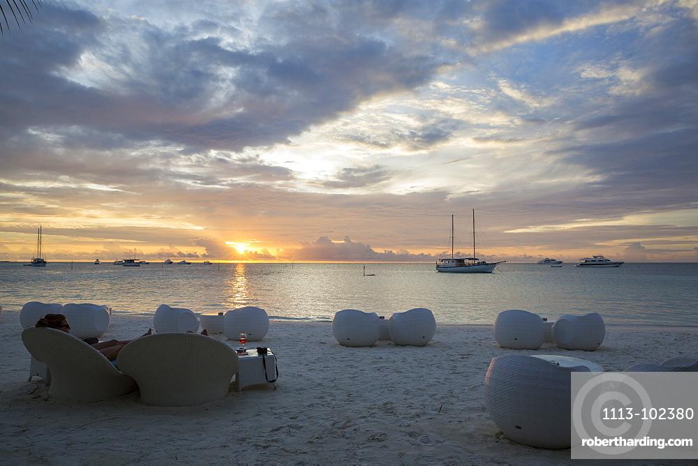Sunset and beach-bar at Meeru Island Resort, Meerufenfushi, North-Male-Atoll, Maldives