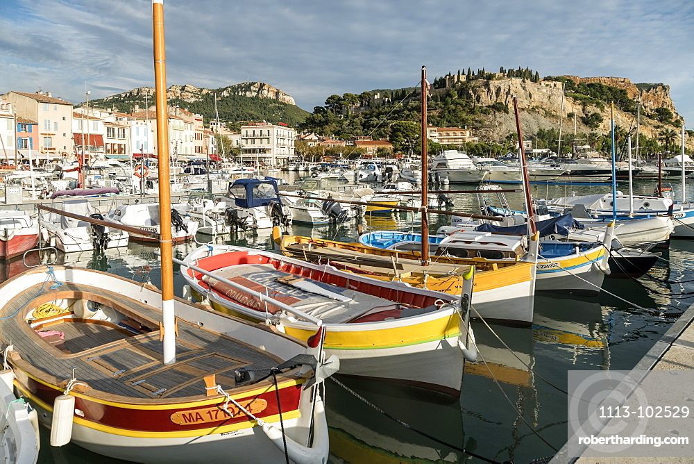 Boats in Cassis harbour Cassis, Cote d Azur, France