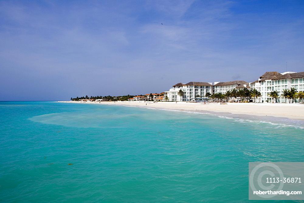 Turqoise water, pristine white sand beach and beachside hotels, Playa del Carmen, Quintana Roo, Mexico