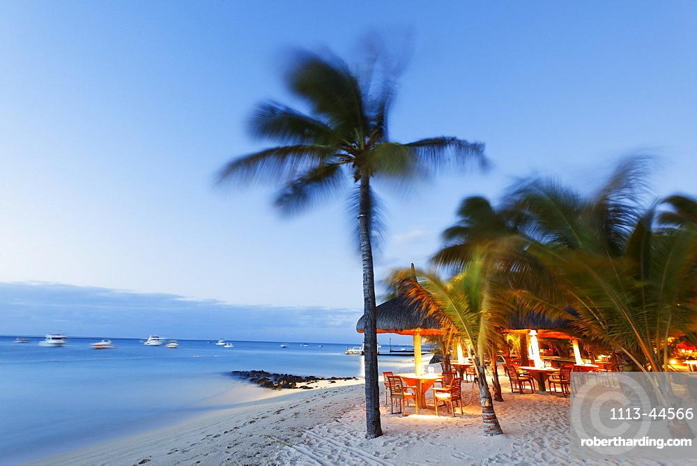 Beach of Beachcomber Hotel Paradis & Golf Club in the evening, Mauritius, Africa