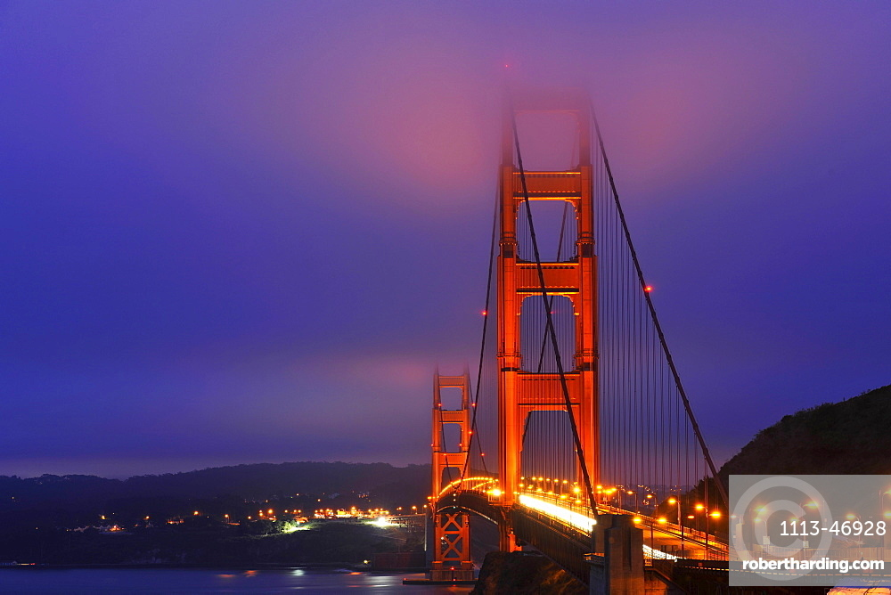 Golden Gate Bridge, fog, San Francisco, California, USA