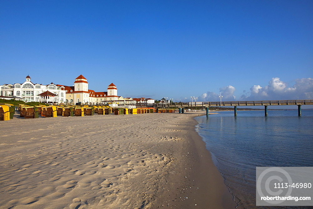 View over the beach to the Spa Hotel, Binz seaside resort, Ruegen island, Baltic Sea, Mecklenburg-West Pomerania, Germany