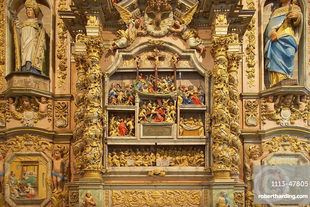 Side-altar, Enclos paroissial at Lampaul-Guimiliau, Finistere, Bretagne, France, Europe