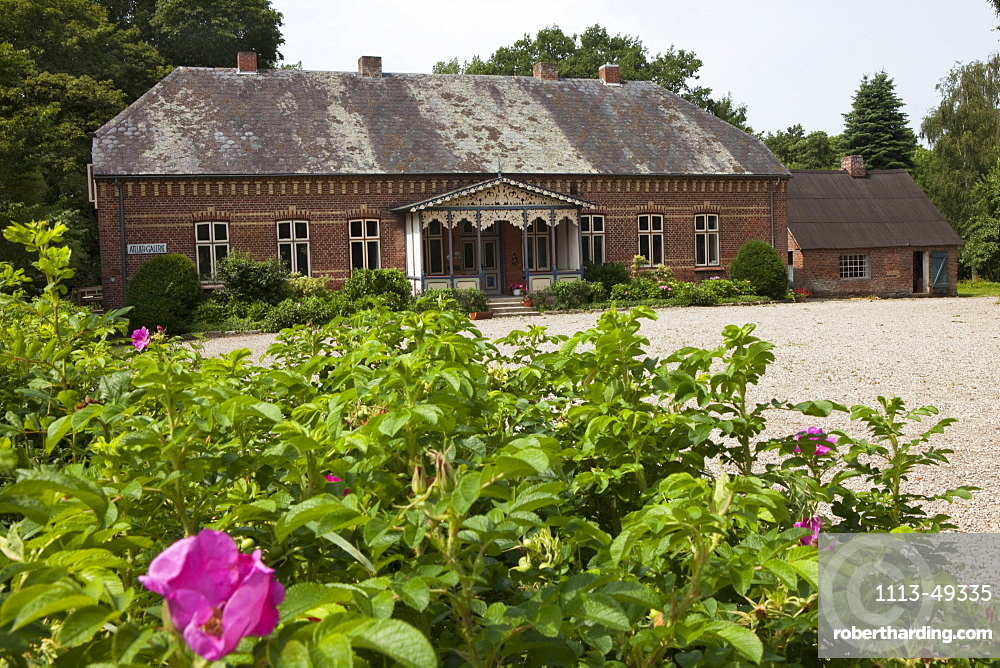 Frisian country house in the village Unewatt, commune Langballig, county Schleswig-Flensburg, federal state of Schleswig-Holstein, Baltic Sea, Germany, Europe