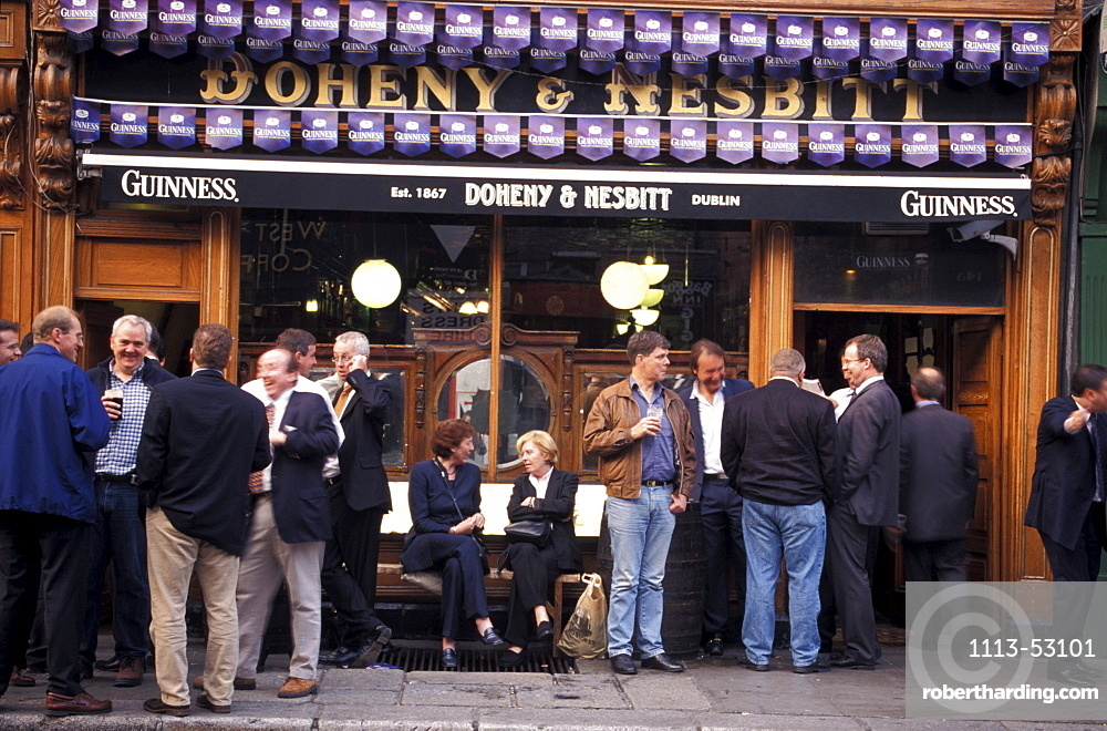 People in front of the Doheny & Nesbit Pub, Dublin, Ireland, Europe