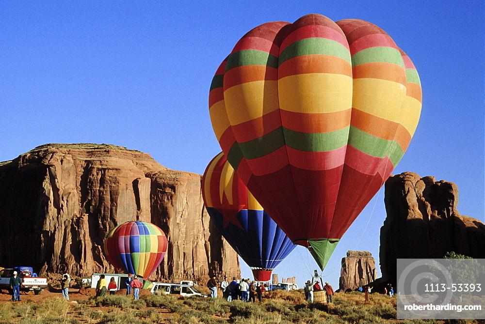 Hot air balloon rallye at Monument Valley, Arizona, USA, America