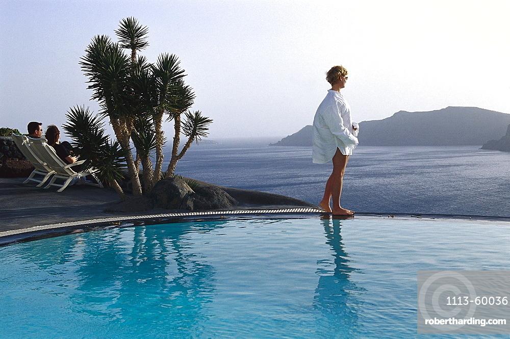 People at pool, Perivolas Hotel, Oia, Santorin, Kyklades, Greece