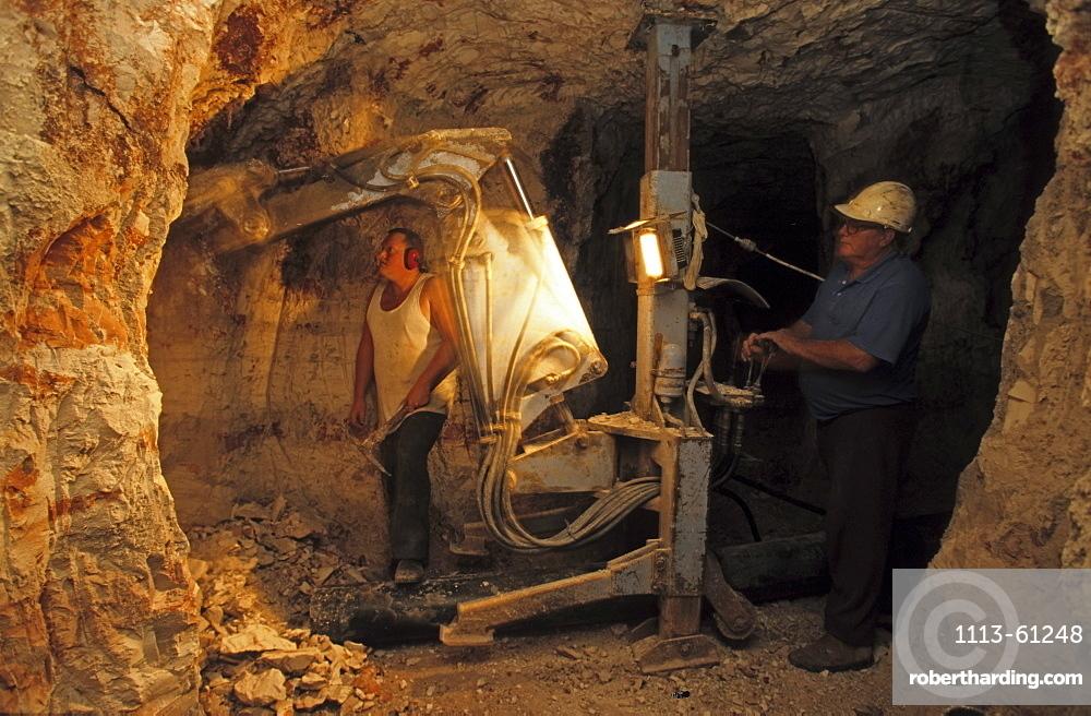 Underground mine of the family Bevan in Lightning Ridge, near the Queensland border, opal settlement, New South Wales, Australia