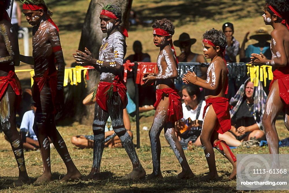 Kuranda dance group from Queensland, Aborigine, Body painting, Laura Dance Festival, Cape York Peninsula, Queensland, Australia
