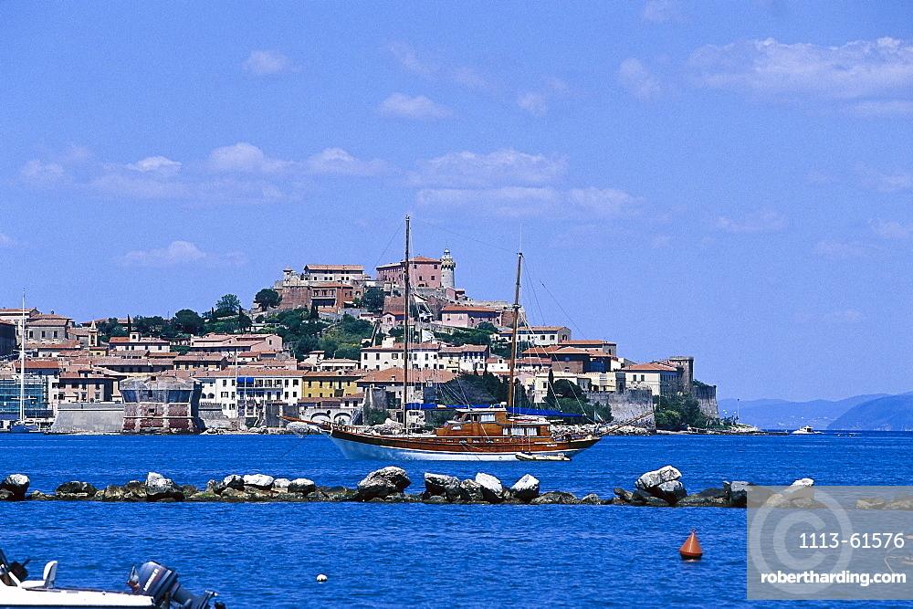 Yacht in front of the seaport Portoferraio, Elba, Tuscany, Italy, Europe