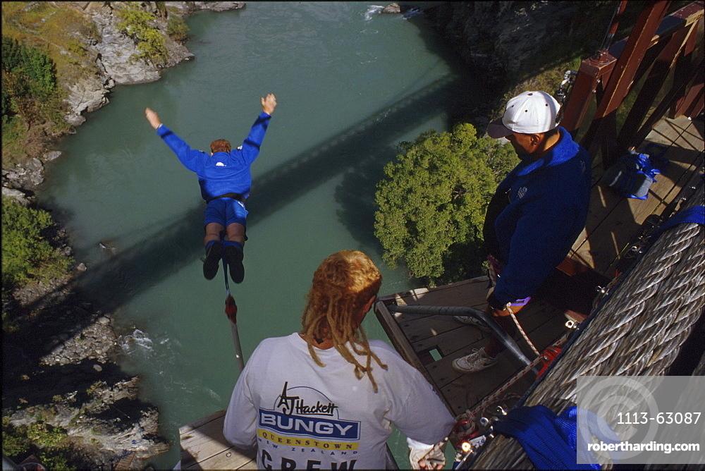 Bungee Jumping, Kawaran Bridge, Queenstown, Otago, South Island, New Zealand