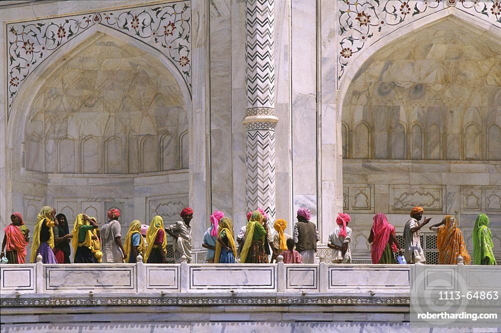Tourists from Rajasthan at Taj Mahal, Agra, Uttar Pradesh, India, Asia