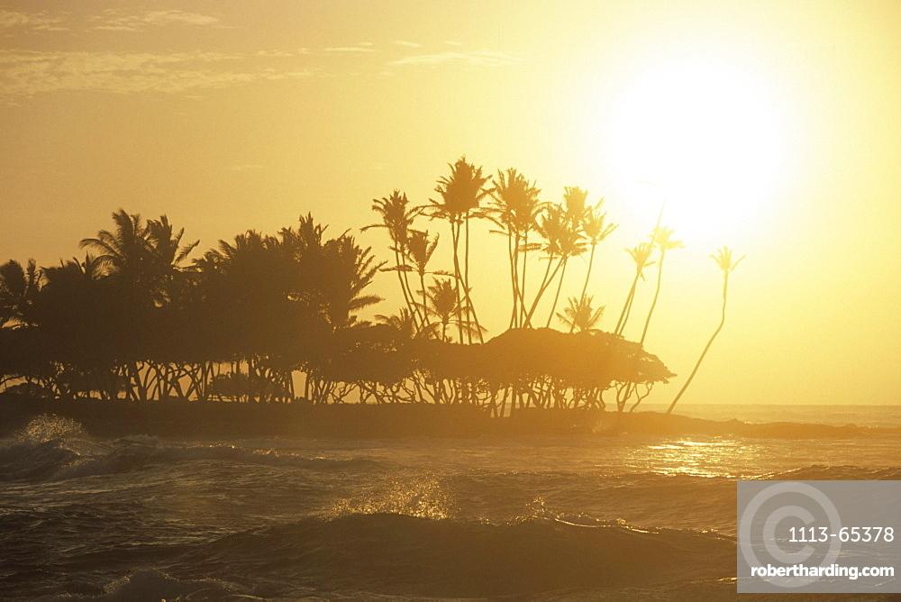 Waves at Sunset, The Fairmont Orchid Hotel, Kohala Coast, Big Island Hawaii, Hawaii, USA00056756