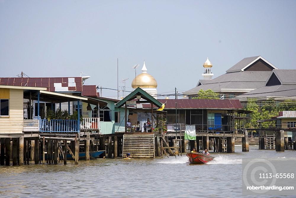 Water Village Stilt Houses, Kampong Ayer Water Village, Bandar Seri Begawan, Brunei Darussalam, Asia