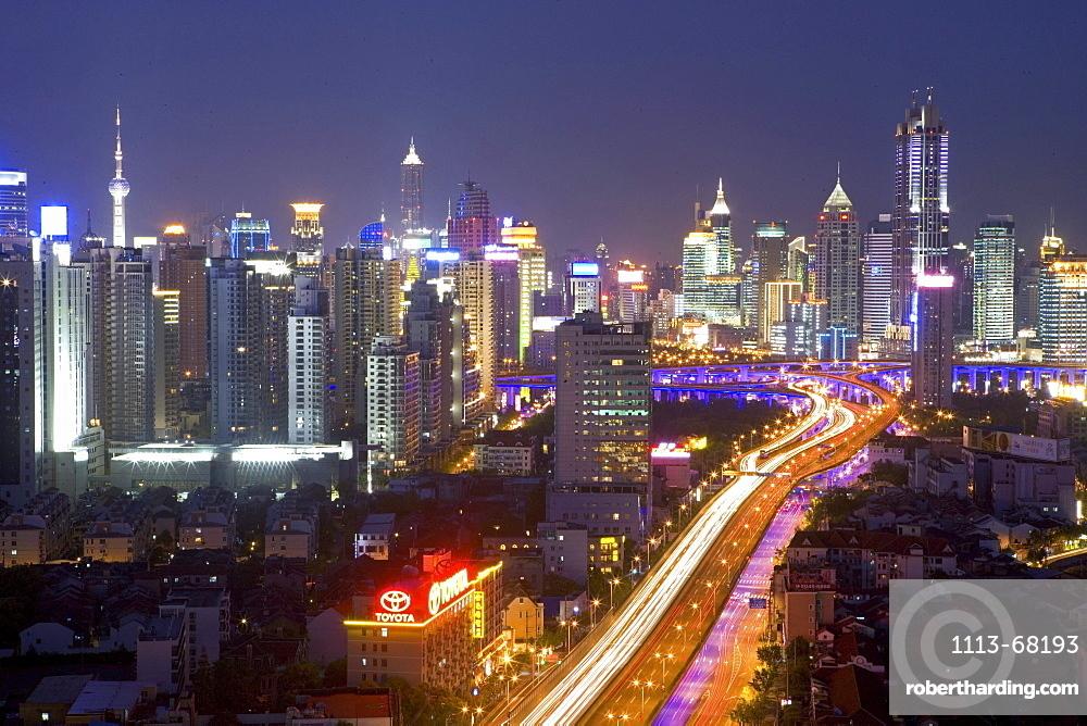 Gaojia motorway, nightshot, Gaojia, elevated highway system, Crossing of Chongqing Zhong Lu and Yan'an Dong Lu, Expressway, night skyline of central Shanghai, Huaihai and Pudong, Shanghai, China