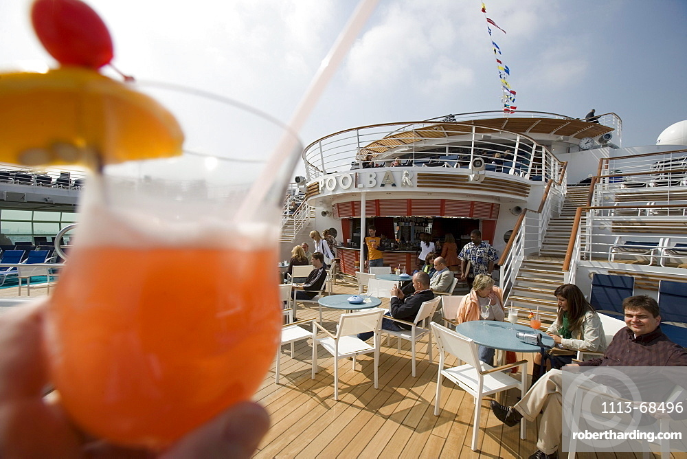 Planters Punch at Pool Bar on Deck 11, Freedom of the Seas Cruise Ship, Royal Caribbean International Cruise Line