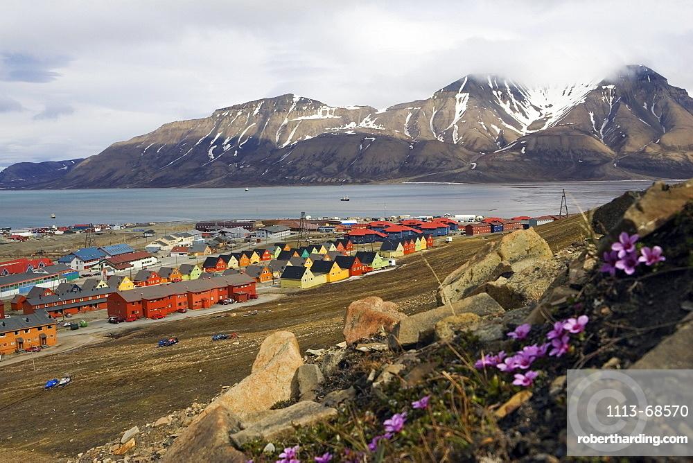 Longyearbyen, Adventfjorden, Spitsbergen, Norway