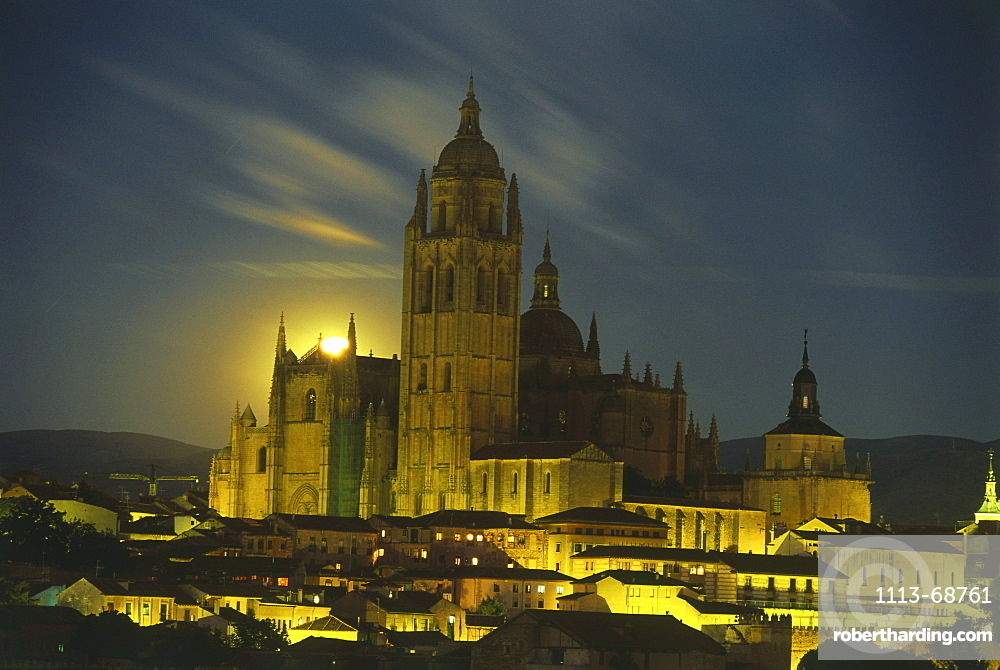 Moonrise, old town and cathedral, Segovia, Castilla-Leon, Spain108