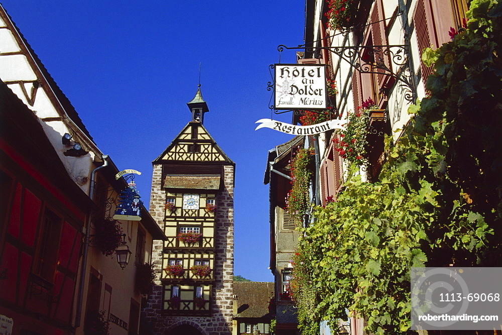 Dolder Tower in Riquewihr, Elsass, France00058471