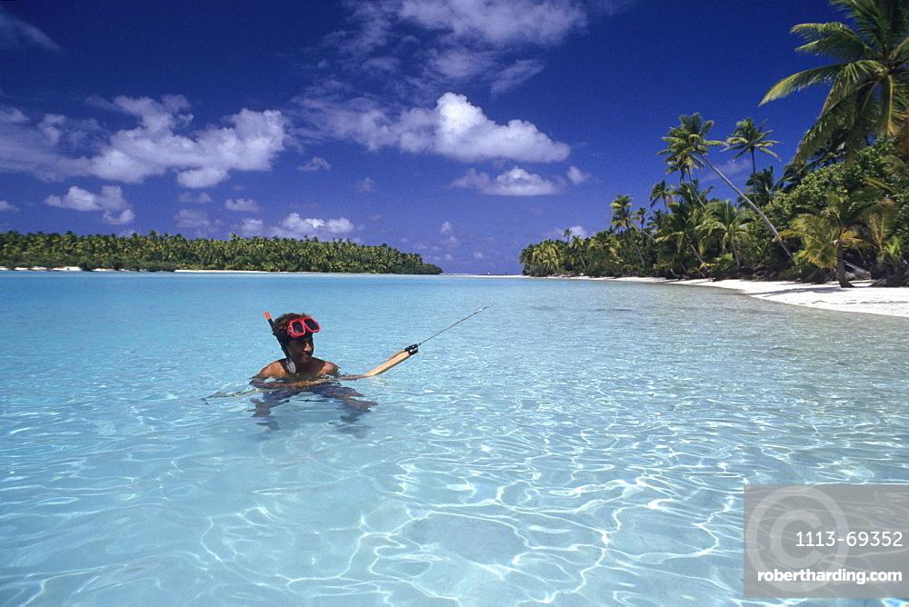 Spearfishing near One Foot Island, Aitutaki, Cook Islands