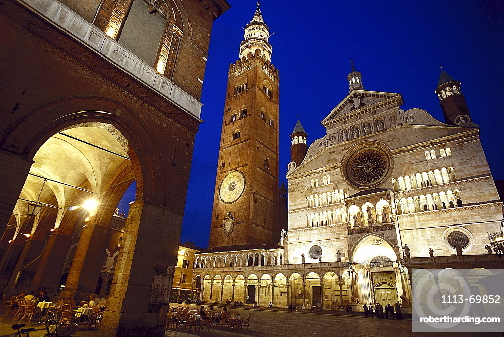 Illuminated cathedral square at night, Cremona, Lombardia, Italy, Europe00015807