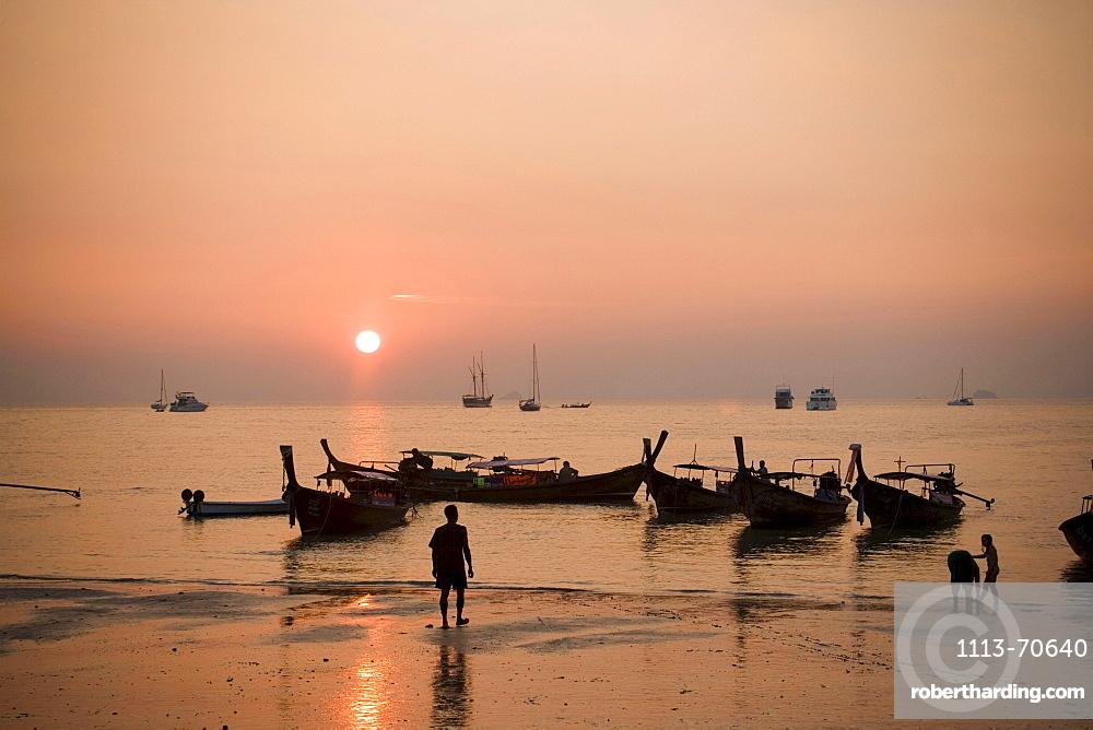 Boats anchoring at Hat Rai Leh, Railey West in sunset, Laem Phra Nang, Railay, Krabi, Thailand, after the tsunami