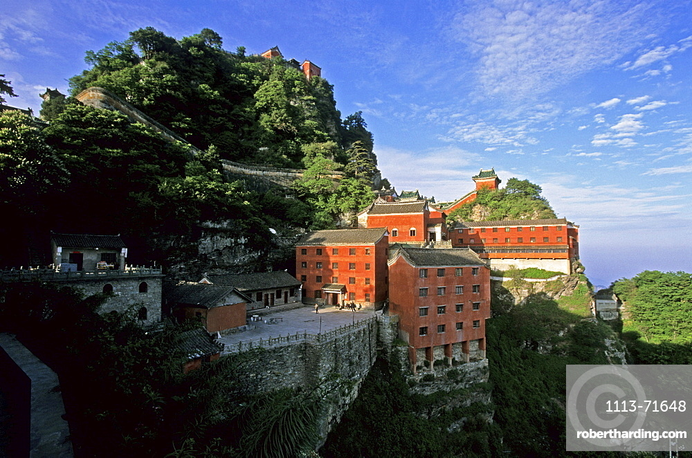 Tianzhu feng, monastery village, below the peak, Wudang Shan, Taoist mountain, Hubei province, Wudangshan, Mount Wudang, UNESCO world cultural heritage site, birthplace of Tai chi, China, Asia