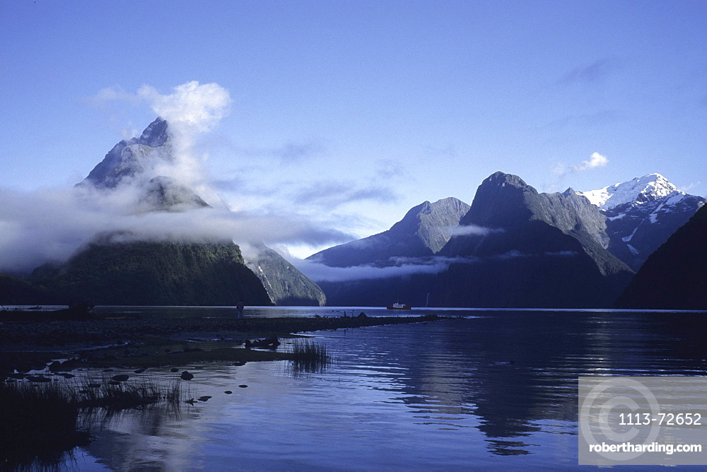 Lifting Fog at Milford Sound, Fiordland National Park, South Island, New Zealand00059419