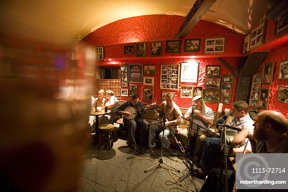 Kinnitty Castle Irish Music, The Dungeon Bar, Kinnitty, County Offaly, Ireland