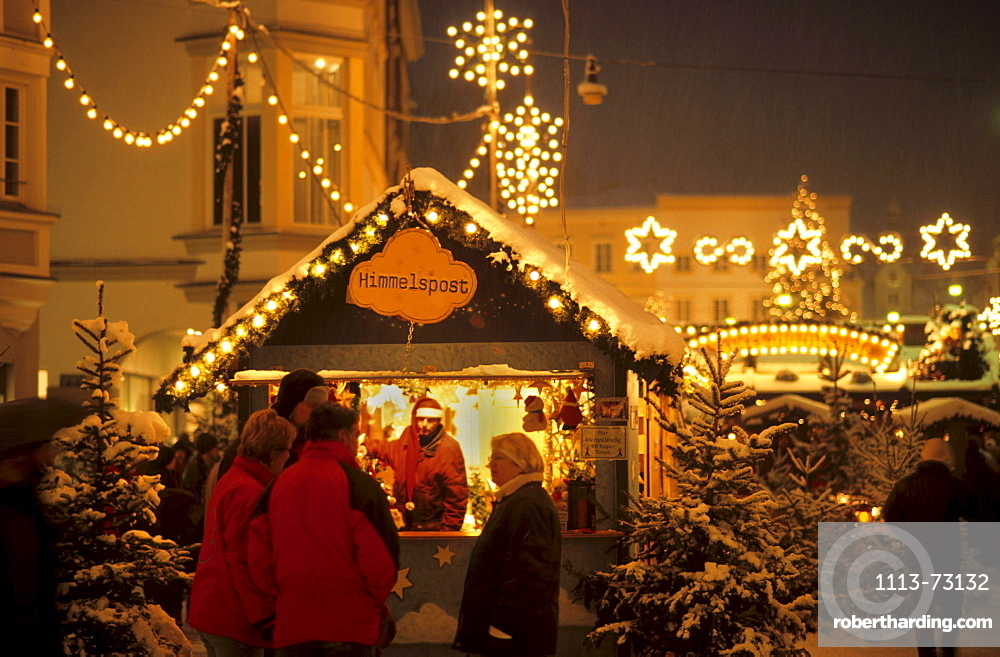 Christmas fair in Rosenheim, Chiemgau, Upper Bavaria, Bavaria, Germany