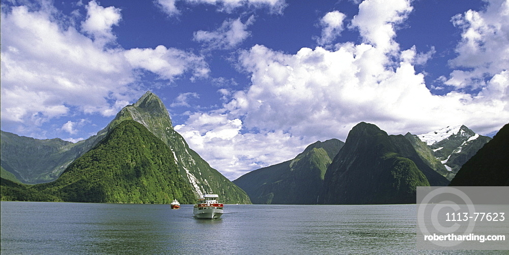 New Zealand Milford Sounds, Mitre peak Fjord Panorama