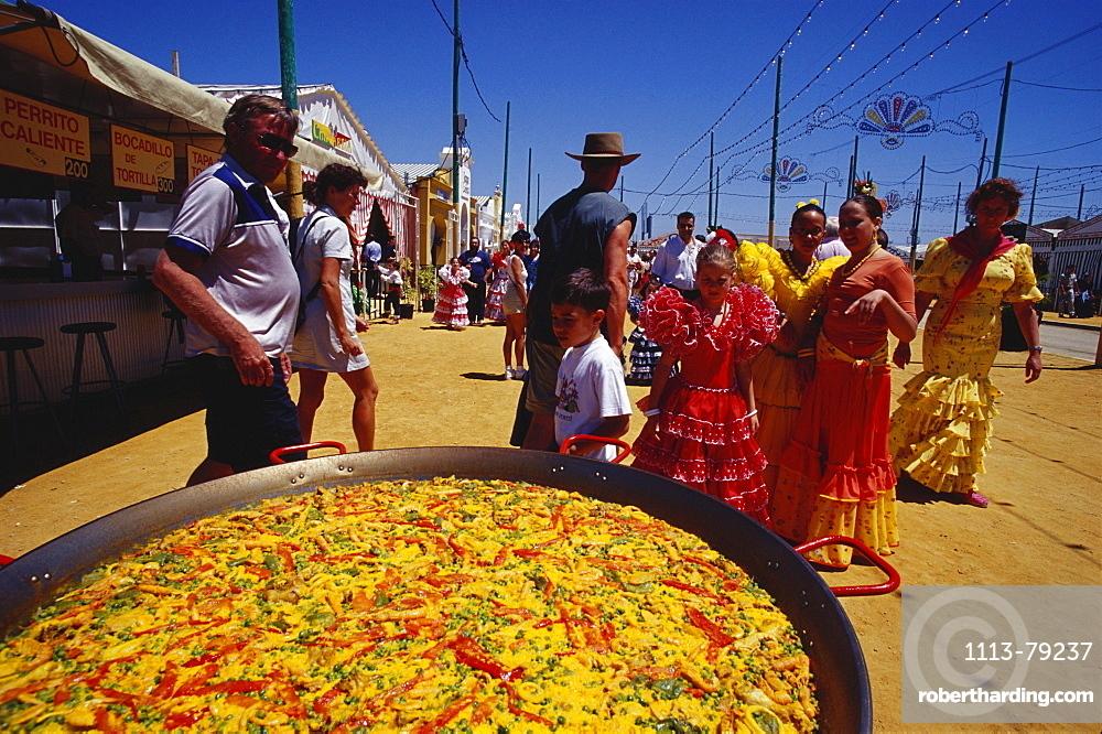 Feria del Vino Fino, Paella, Puerto Santa maria, Provinz Cadiz, Andalusia, Spain