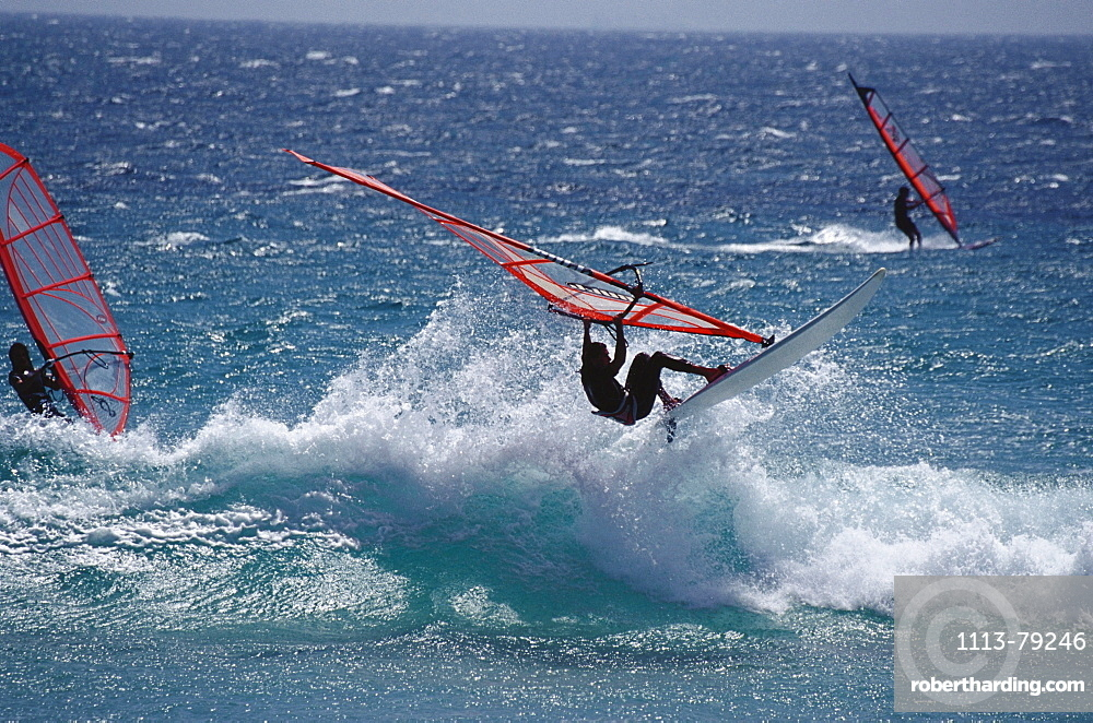 People windsurfing at Costa de la Luz, Provinz Cadiz, Andalusia, Spain